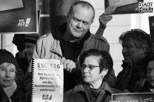 Berner übergibt Petition an Kultusministerium Hessen in Wiesbaden